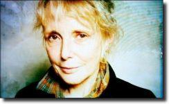 Διαβάστε περισσότερα: Claire Denis: Η γεωγραφία του πόθου