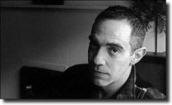 Διαβάστε περισσότερα: Derek Jarman: Το μάτι που επεξεργάζεται ή η απεικόνιση του ανεικόνιστου